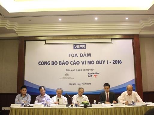 Tiền gửi ra nước ngoài của người Việt tăng đột biến lên 7,3 tỷ USD