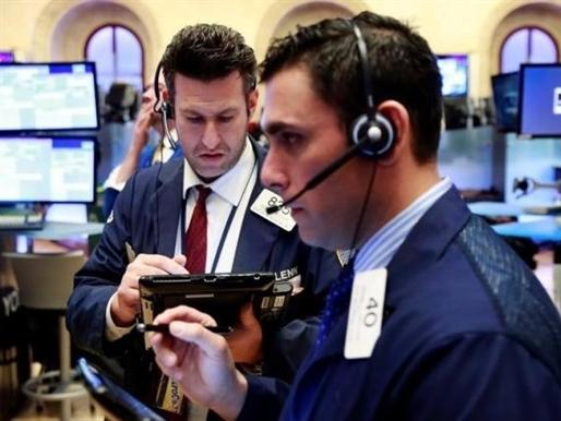 Chứng khoán Mỹ biến động nhẹ, cổ phiếu tài chính tăng mạnh