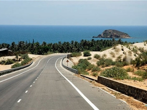 ADB đề xuất xây cao tốc chạy dọc bờ biển Việt Nam