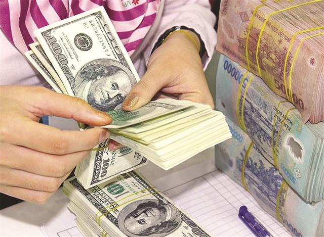 Doanh nghiệp đang làm gì để ứng phó với thắt chặt tín dụng USD?
