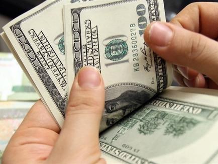 Nhà giàu châu Á được khuyên mua vào USD