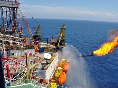 Xuất khẩu dầu thô giảm gần nửa tỷ USD