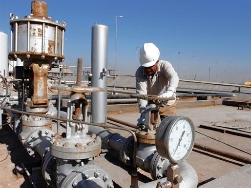 Giá dầu bật tăng do nguồn cung gián đoạn