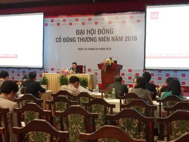 Ông Nguyễn Duy Hưng đề xuất SSI trả cổ tức tỷ lệ 10% bằng tiền mặt