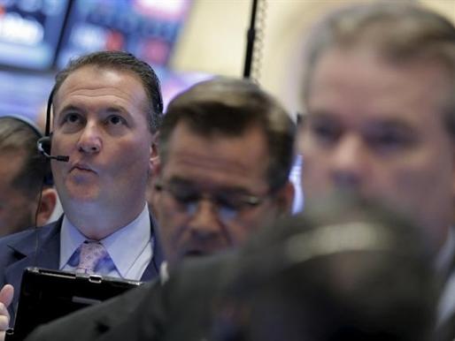 S&P 500 tăng tốt nhờ lĩnh vực hàng hóa
