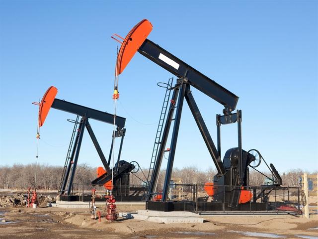 Giá dầu giảm khi lo ngại về cháy rừng tại Canada lắng dịu