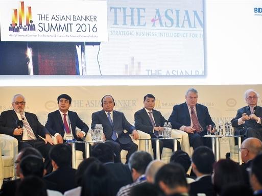 Thống đốc NHNN muốn nhà đầu tư ngoại tham gia tích cực hơn vào tái cơ cấu ngân hàng