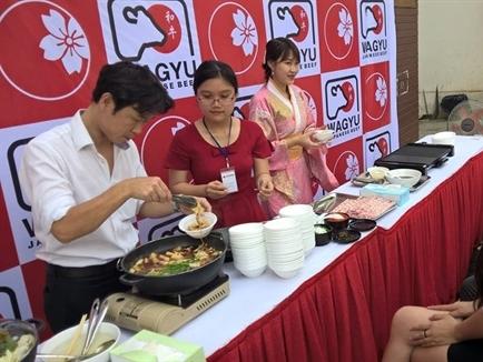 Sự kiện ăn thử bò Wagyu tại siêu thị Tokyo Mart