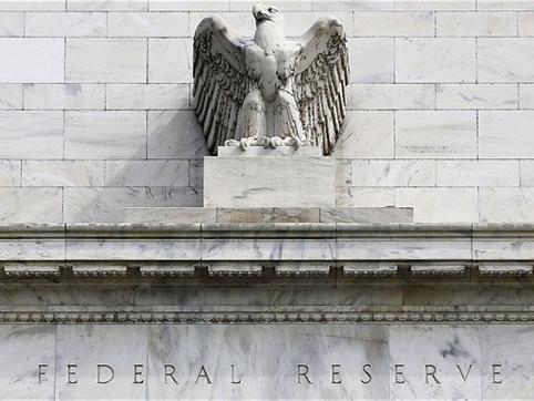 Khảo sát Reuters: Fed sẽ chưa nâng lãi suất cho đến tận tháng 9