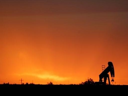 Giá dầu tiếp tục tăng sau báo cáo của IEA