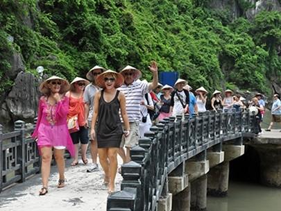 Du lịch Việt hồi hộp ngóng tin miễn visa