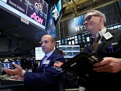 Phố Wall tăng hơn 1% nhờ cổ phiếu ngân hàng và công nghệ