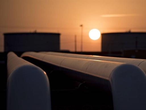Giá dầu vượt 50 USD/thùng lần đầu tiên 7 tháng qua