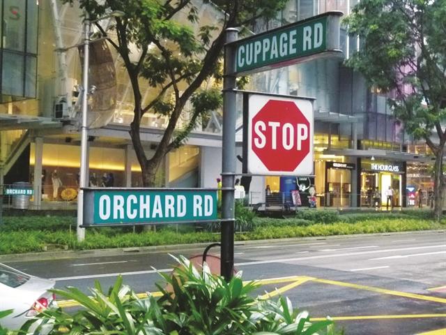 Thiên đường mua sắm Singapore điêu đứng
