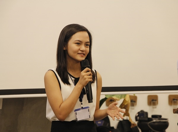 Gặp nữ sinh đoạt 12 học bổng danh tiếng thế giới tại ngày hội