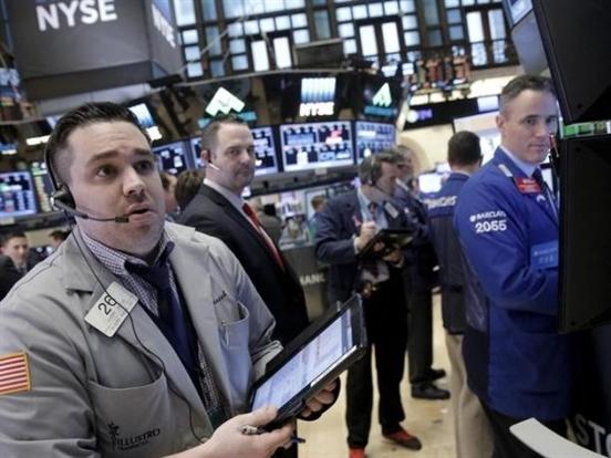 Chứng khoán Mỹ lên sát mức kỷ lục nhờ giá dầu