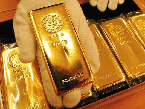 Giá vàng lập đỉnh 3 tuần khi chứng khoán đi xuống