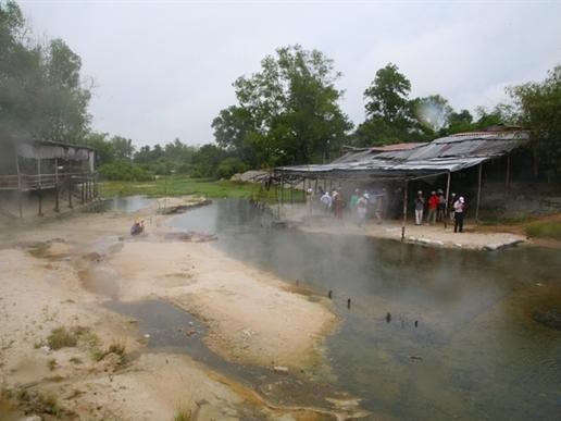 Tập đoàn Hoa Sen muốn đầu tư khu nghỉ dưỡng suối nước nóng ở Bình Định