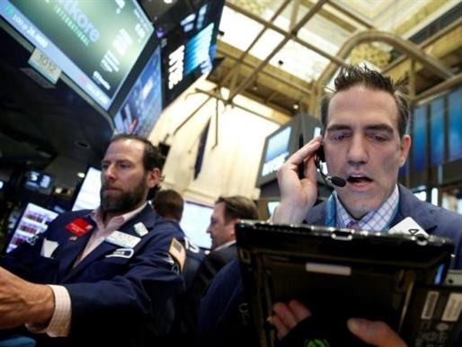 Chứng khoán Mỹ tiếp tục bị bán tháo khi giới đầu tư tìm kiếm tài sản an toàn