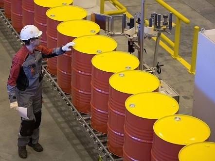 Giá dầu giảm phiên thứ 6, bắt đáy một tháng