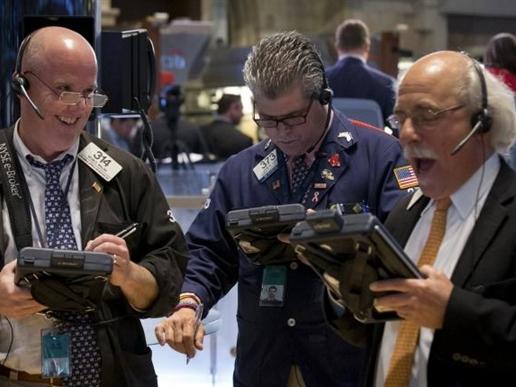 Chứng khoán Mỹ tăng điểm nhờ đặt cược vào kinh tế