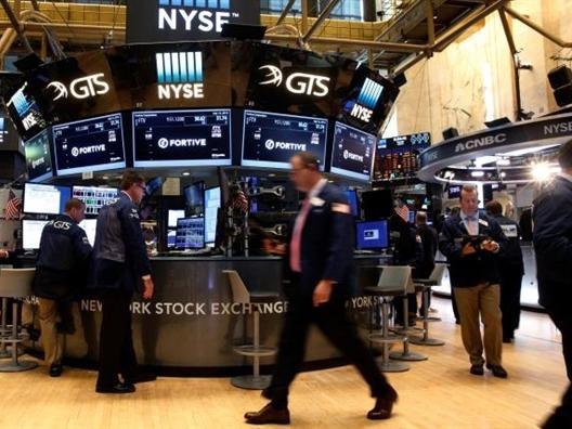 S&P và Dow Jones lập kỷ lục mới