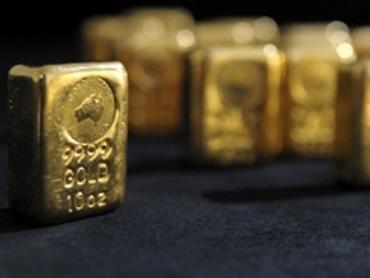 Giá vàng giảm gần 2% khi chứng khoán tăng điểm