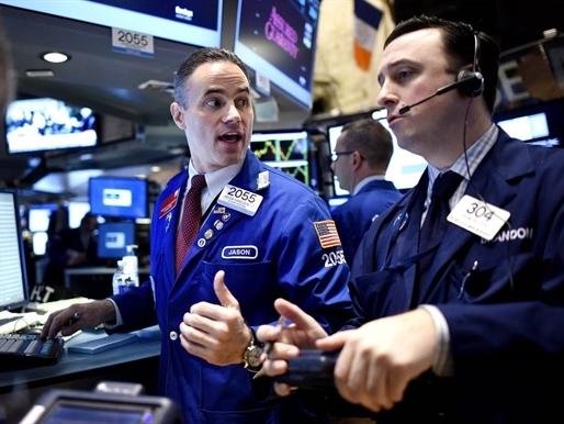 S&P 500 lập đỉnh phiên thứ 4 liên tiếp nhờ cổ phiếu ngân hàng