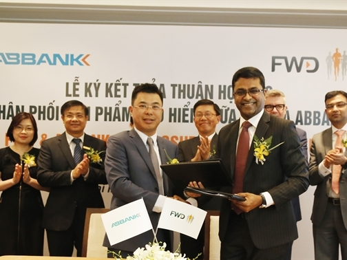 ABBank và FWD ký thỏa thuận phân phối bảo hiểm tại Việt Nam