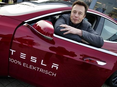 Elon Musk và Tesla muốn đối đầu với Uber?