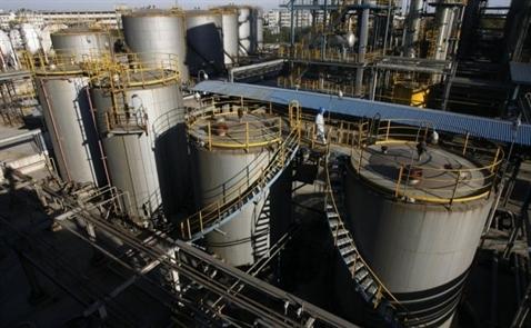 Giá dầu bắt đáy mới trước thềm báo cáo dầu lưu kho