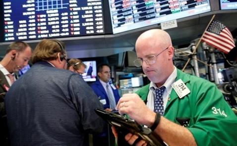 Cổ phiếu năng lượng, tài chính giúp chứng khoán Mỹ bật tăng