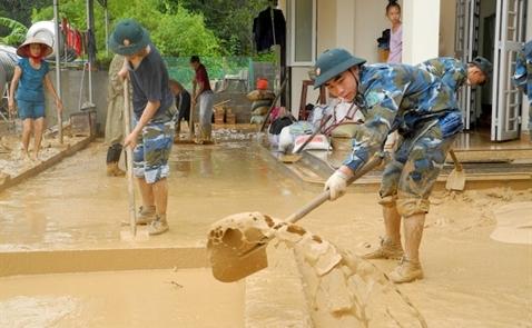 Đình chỉ dự án sân golf FLC, khắc phục bùn trôi xuống nhà dân