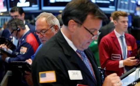 Chứng khoán Mỹ rơi khỏi đỉnh sau số liệu doanh số bán lẻ