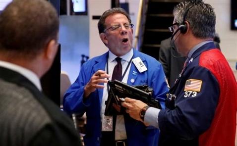 Chứng khoán Mỹ lại lập kỷ lục do viễn cảnh nới lỏng tiền tệ, giá dầu tăng