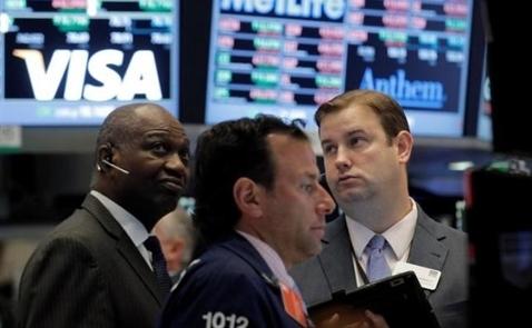 Chứng khoán Mỹ rơi khỏi đỉnh sau bình luận của quan chức Fed