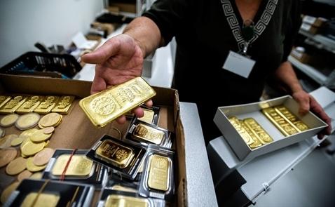 Giá vàng tăng khi triển vọng nâng lãi suất của Fed mờ nhạt