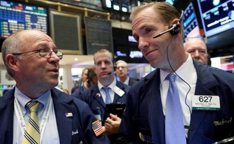 Chứng khoán Mỹ giảm điểm khi giới đầu tư đánh giá viễn cảnh lãi suất