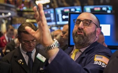 Chứng khoán Mỹ mất điểm vì cổ phiếu y tế, nguyên vật liệu