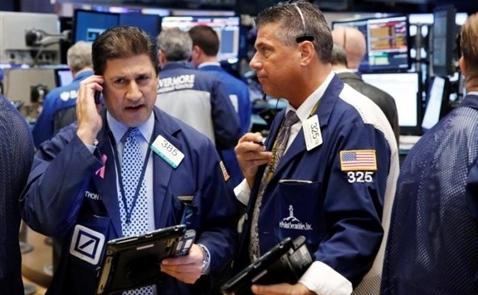 Chứng khoán Mỹ mất điểm do lo ngại Fed nâng lãi suất