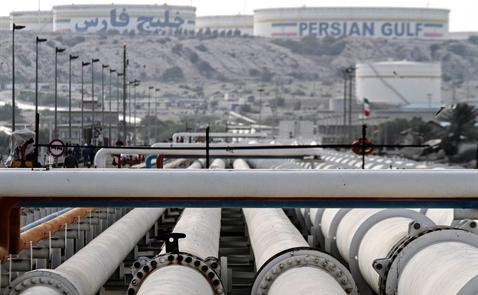 Sản lượng dầu OPEC đạt kỷ lục trước khi bàn chuyện đóng băng