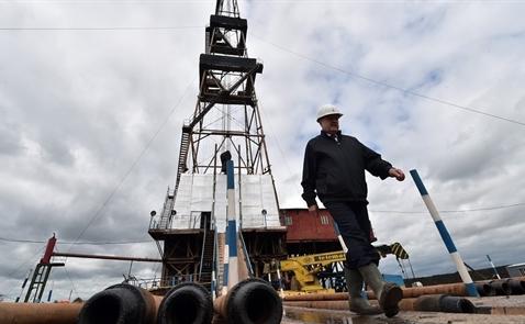 Vì sao Mỹ là trở ngại chính đối với thỏa thuận đóng băng sản lượng dầu thô?