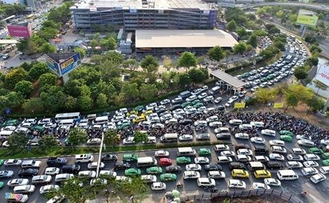 TPHCM kiến nghị xây cầu vượt trước sân bay Tân Sơn Nhất