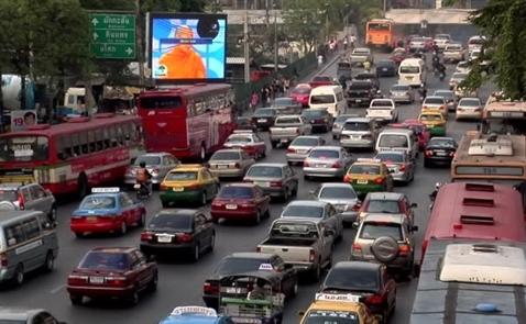 """Xe hơi đang là """"ác mộng"""" của các nước Đông Nam Á"""