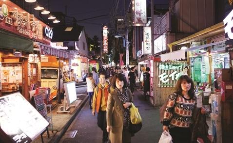 Nhập cư vào Nhật: Cánh cửa hé mở