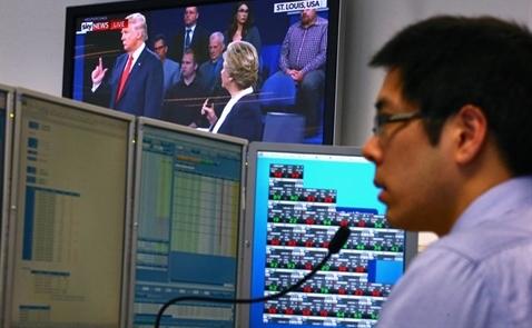 Thị trường châu Á ủng hộ bà Clinton