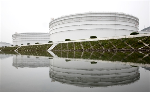 Giá dầu lập đỉnh 1 năm khi Tổng thống Nga ủng hộ thỏa thuận OPEC