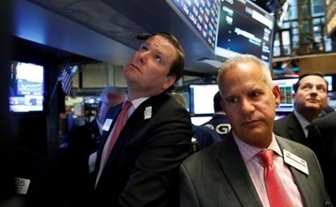 Chứng khoán Mỹ ồ ạt bán tháo do lợi nhuận công ty thất vọng