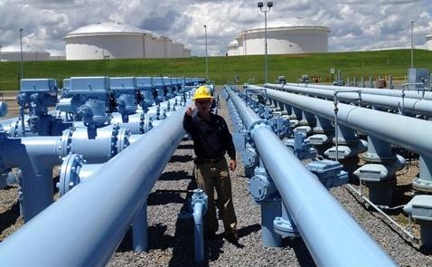 Giá dầu tăng sau số liệu lượng dầu lưu kho của Mỹ