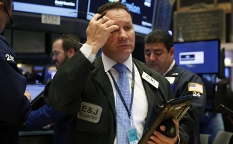 Chứng khoán Mỹ mất điểm vì cổ phiếu năng lượng, tiêu dùng
